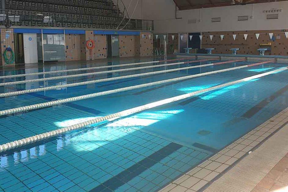 La piscina municipal Puerta de Santa María cerrada