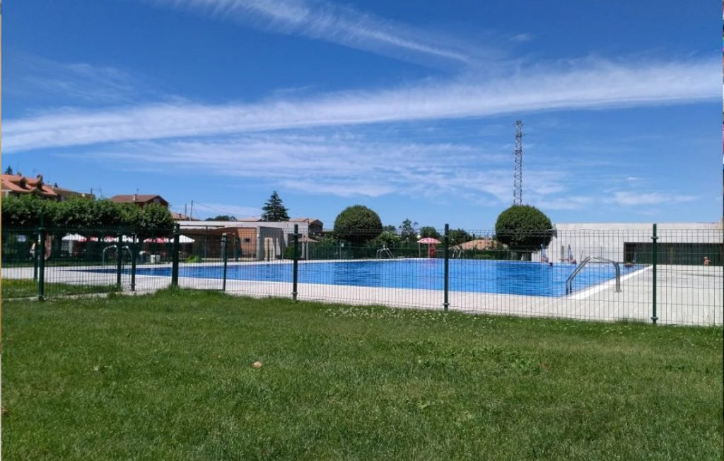 Piscina municipal de Albelda de Iregua, La Rioja