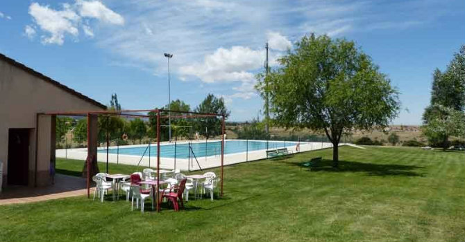 Piscina Municipal de Palazuelos De Eresma, Segovia